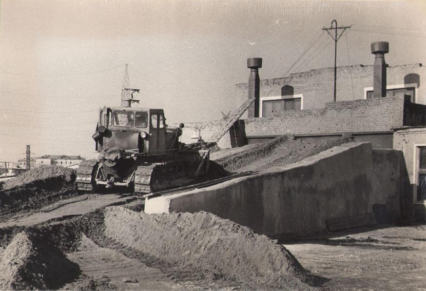Кран- трубоукладчик четра тг-122 г/п 20-25 тонн.